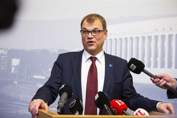 """Iltalehden """"gallupin"""" perusteella pääministeri Juha Sipilää (kesk) pidetään ylimielisenä."""