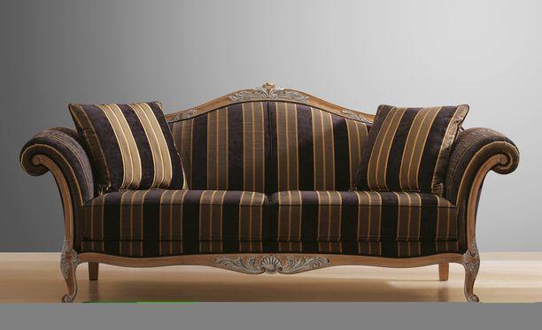 Kaikkia tahranpoistoaineita kannattaa aina ensin kokeilla näkymättömään kohtaan, ettei se vahingoita sohvan pintamateriaalia.