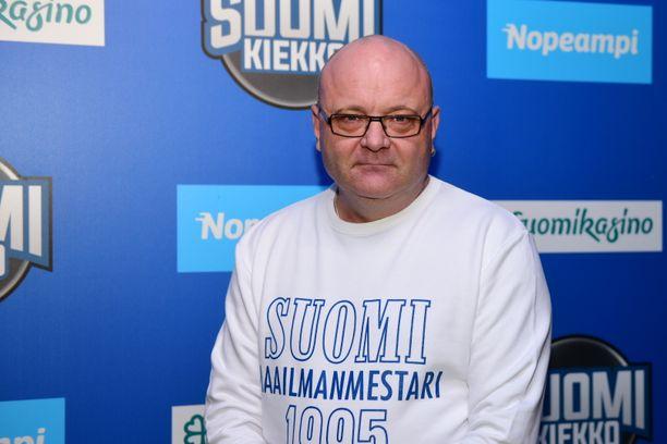 Tapio Suominen sukelsi syvään masennukseen saamiensa potkujen jälkeen, mutta enää mies ei vakihommiin kaipaile.
