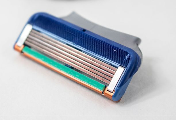 Aihekuva. Mikroskooppikuva MIT:n tutkimuksista ja videoupotus löytyy alempaa.