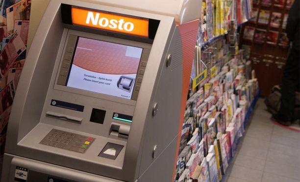 Lähes 200 Otto-automaattia poistetaan S-ryhmän tiloista. Tilalle tulee S-ryhmän mukaan Nosto-automaatit.