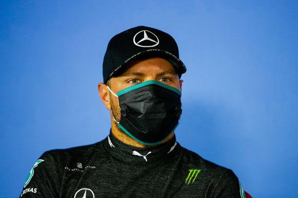 Valtteri Bottas jatkaa sarjan kärkitallin Mercedeksen kuljettajana.