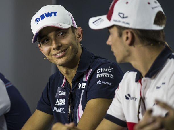 Esteban Ocon muistaa hyvin ensimmäisen kohtaamisensa Charles Leclercin (oikealla) kanssa.