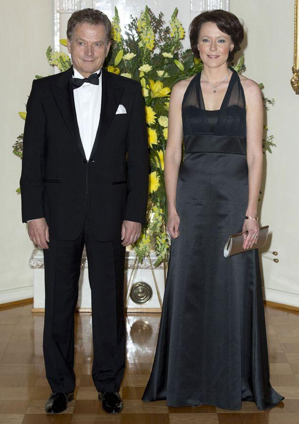 Jenni Haukio diplomaattipäivällisillä.