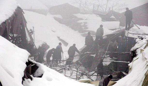 Lumi aiheutti eniten kuolonuhreja Shanxin maakunnassa, missä tapahtui lähes 500 liikenneonnettomuutta.