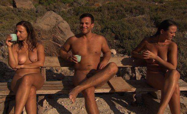 Simo, Nina ja Laine tapaavat neljännessä jaksossa.