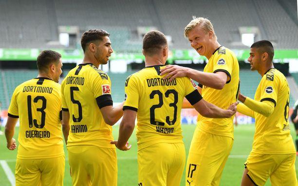Borussia Dortmundilla on tänään mahdollisuus kuroa eroa kiinni sarjakärki  Bayern Müncheniin.