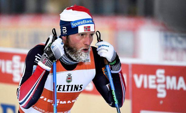 Astmalääkkeen yliannostuksesta kärähtänyt norski Martin Johnsrud Sundby kilpaili viime viikonloppuna Rukan maailmancupissa.