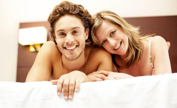Avioliittoa voi kolhia liiallinen sosiaalisessa mediassa käytetty aika.