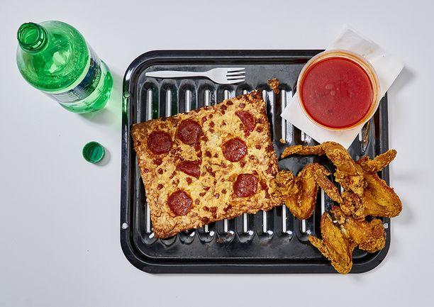 Tällaisen viimeisen aterian söi William Cary Sallie, 50-vuotias, 26 vuotta kuolemansellissä. Pepperoni-pitsa, kanansiipiä, Buffalo-kastiketta ja limsa.