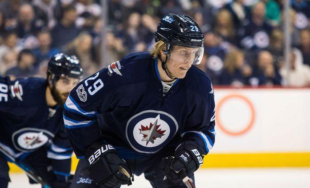 Patrik Laine pääsi The Hockey Newsin kanteen.