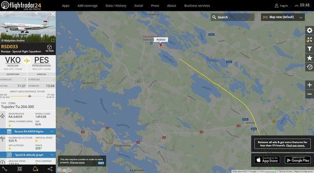 Venäjän presidentinhallinnon kone Tupolev Tu-204-300 laskeutui hieman ennen yhtä Savonlinnan lentokentälle.