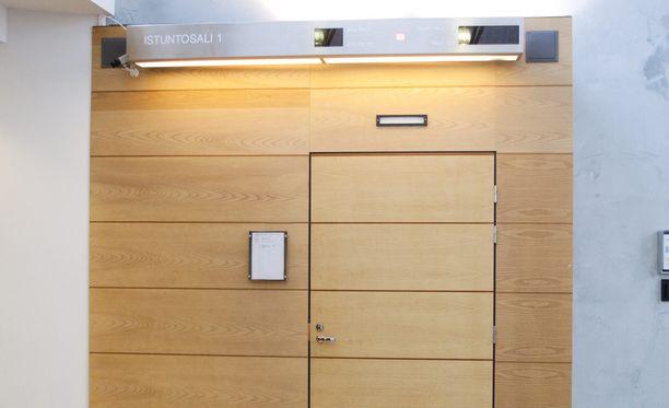 Rikoksia käsiteltiin käräjillä suljettujen ovien takana. Arkistokuva.