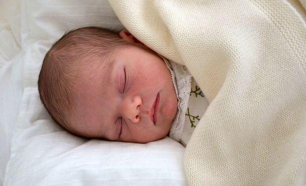 Prinssi Oscar syntyi noin kuukausi sitten.