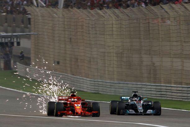 Bahrainin GP:stä on lupa odottaa tiukkaa taistelua Ferrarin ja Mercedeksen välillä.