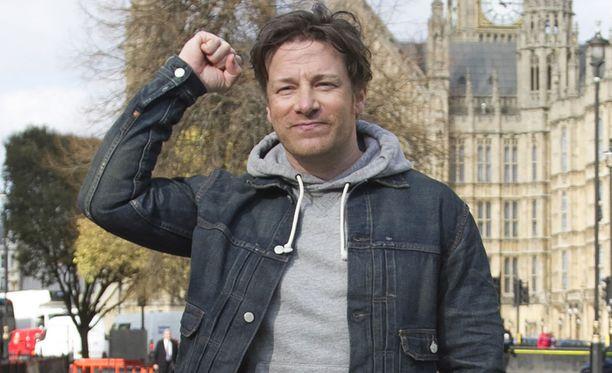 Jamie Oliverista tulee elokuussa viidennen kerran isä.