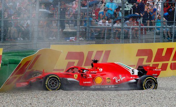 Sebastian Vettelin ulosajo on yksi F1-kauden puhutuimpia tapauksia.