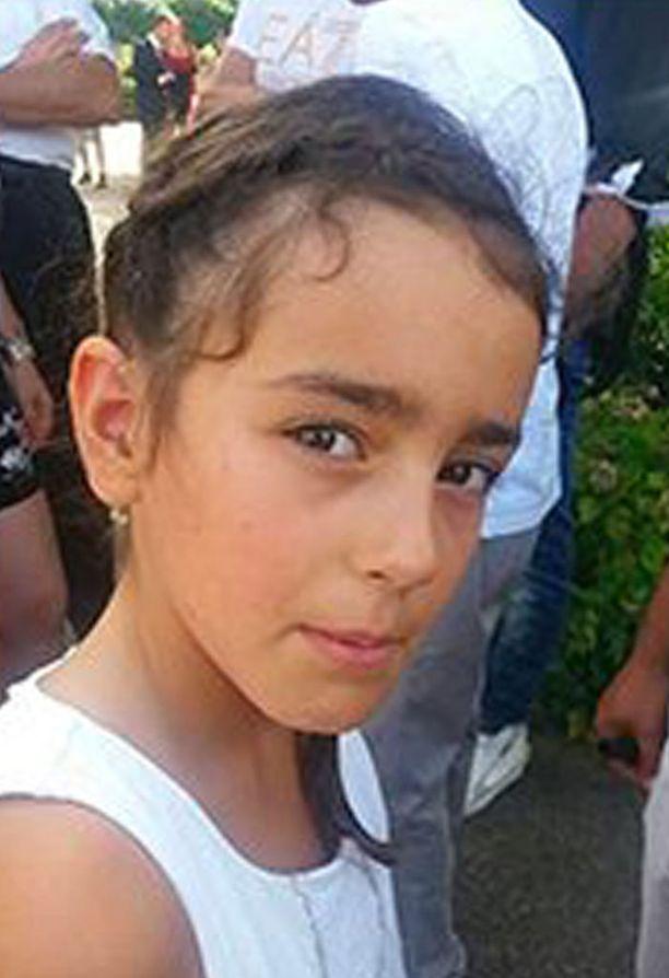 Maëlys De Araujo, 9, katosi jäljettömiin häistä Kaakkois-Ranskassa.