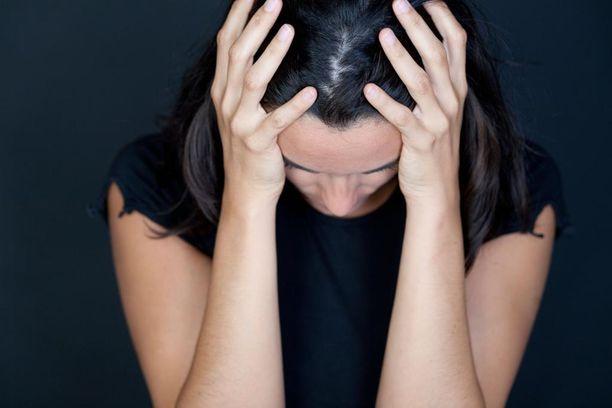 Uhrille aiheutui traumaperäinen stressihäiriö ja hän oli pitkään syvästi masentunut (kuvituskuva).