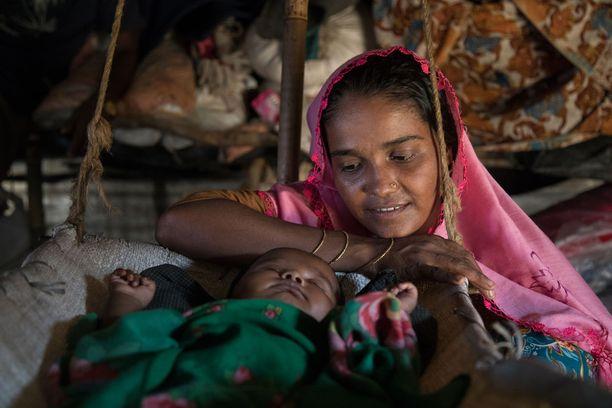 Leirien puutteellinen hygienia aiheuttaa sen, että erilaiset sairaudet, kuten kurkkumätä, tuhkarokko ja kolera, leviävät helposti. Erityisesti vastasyntyneet ovat alttiita näille sairauksille.