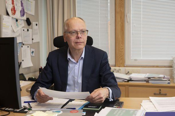 Juha Tuominen on Suomen suurimman sairaanhoitopiirin eli Helsingin ja Uudenmaan sairaanhoitopiirin (Hus) toimitusjohtaja.