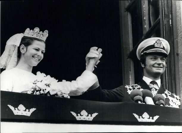 Onnellisen pariskunnan häitä juhlittiin kesällä 1976.