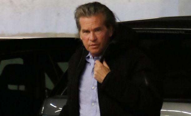Val Kilmer on toipunut pikku hiljaa kurkkusyövästä. Hänen kerrottiin tähdittävän Top Gun -elokuvan jatko-osaa yhdessä Tom Cruisen kanssa.
