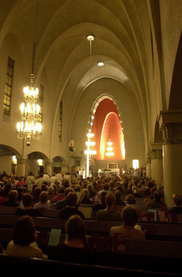 Vaihtoehtoista messua on kokeiltu muun muassa Mikael Agricolan kirkossa Helsingin Punavuoressa.