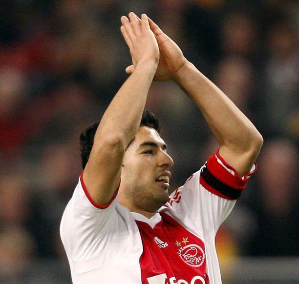 Urugulaisfutari Luis Suarez teki käsittämättömän määrän maaleja Hollannin cupissa.