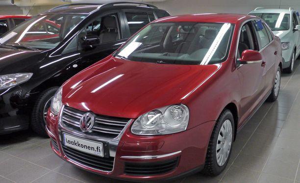 Käytetyn auton hinnassakin on vielä jäljellä näkymätöntä autoveroa. Ilman sitä auto olisi halvempi.