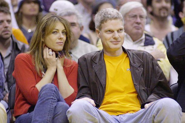 Elizabeth Hurley ja Damienin isä Steve Bing seurustelivat vuonna 2011.
