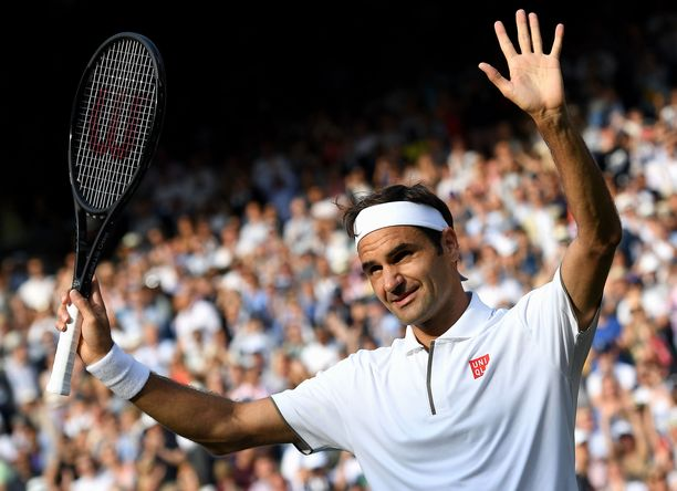 Roger Federer kohtaa Wimbledonin finaalissa Rafael Nadalin.
