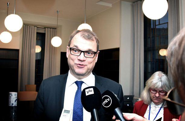 Pääministeri Juha Sipilä (kesk) kommentoi Supercell-miljonäärien verojenmaksuintoa samalla kun kertoi Pohjoismaiden neuvoston Helsingin-kokouksen päivän tapahtumista.