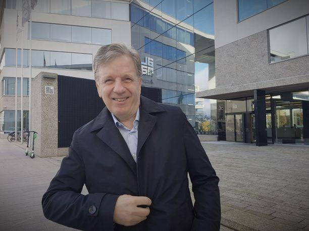 Esko Aho (kesk) toimi Suomen pääministerinä 1991-1995.