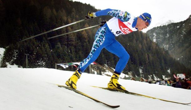 Jari Isometsän komea hiihtoura päättyi vuonna 2006. Kuva vuodelta 2000.