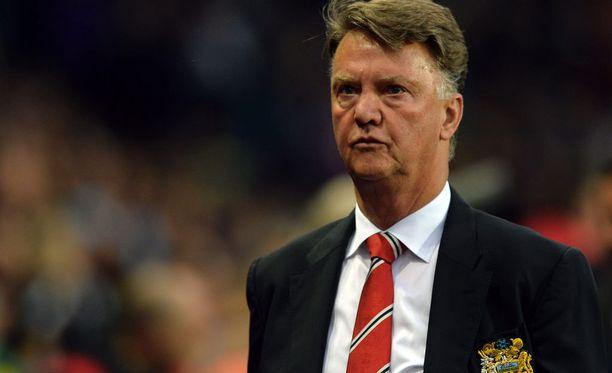 Louis van Gaal valmentaa toista kauttaan Manchester Unitedin peräsimessä.