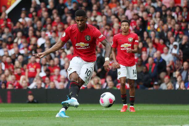 Marcus Rashford vie Manchester Unitedin johtoon.