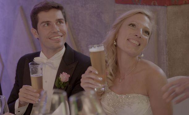 Andreas ja Anna saavat toisensa vanhassa linnassa.