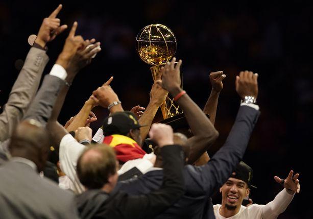 Toronto Raptors juhli ensimmäistä NBA-mestaruuttaan.