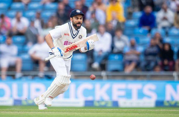 Intialainen Virat Kohli on kriketin kirkkaimpia supertähtiä.