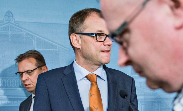 Juha Sipilän johtaman hallituksen pähkäily lomarahoista jatkuu edelleen.