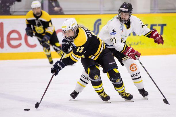 Maajoukkuehyökkääjä Linda Välimäki on Ilveksen ylivoimaisesti tehokkain pelaaja.