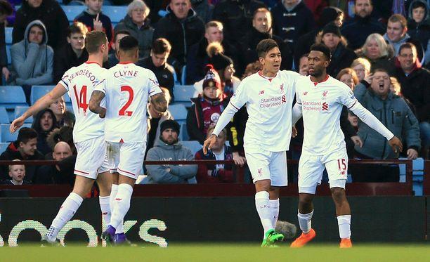 Daniel Sturridge (oik.) avasi Liverpoolin maalitilin Villa Parkilla.