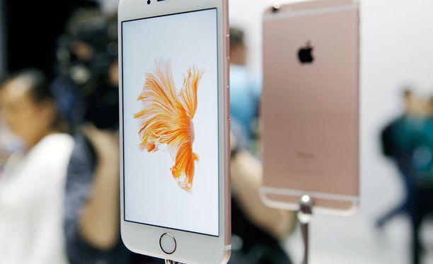 Applen uusia iPhone 6s -älypuhelimia esittelyssä.