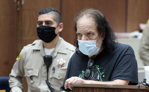 Ron Jeremyn uhrit kertovat: pornotähti saalisti naisia ravintolan vessassa