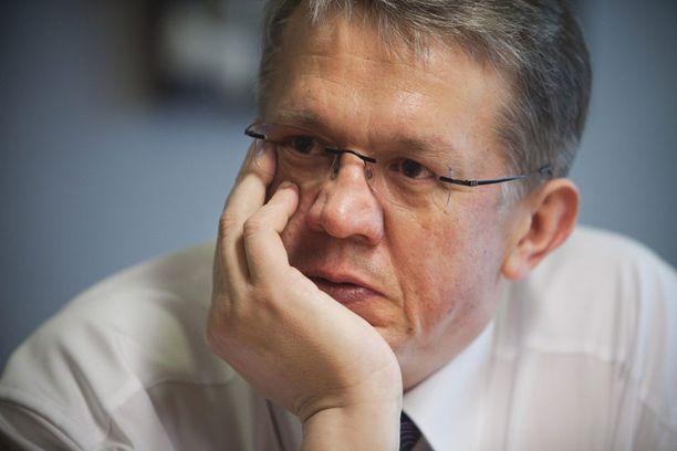 Juha Rehula kuittasi yhdestä kokouksesta 6200 euron palkkion.