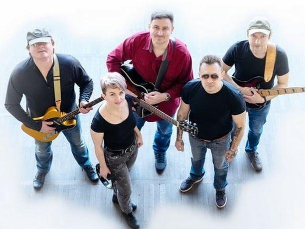 Tämä yhtyeen oli tarkoitus laulaa Rotterdamissa.