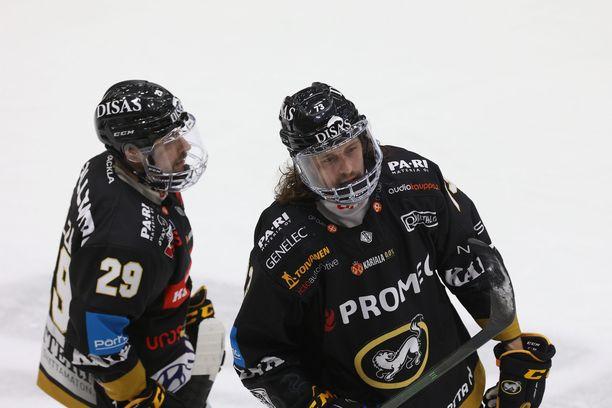 Kärppien Radek Koblizek (vas.) ja Libor Sulak saattavat pelata jo perjantaina, mutta Koblizekin kohdalla asiassa on vielä kysymysmerkkejä.