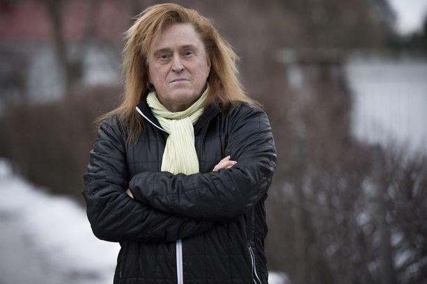 Tommi Läntinen pitää Eeva Litmasen, Juha Veijosen ja Arto Sirkiän saamista mukaan musiikkivideolle suurena kunniana.