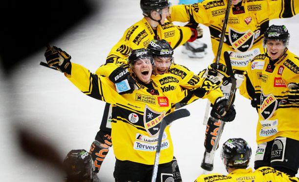 Janne Keränen sylkee tehopisteitä kilpipaidoissa.